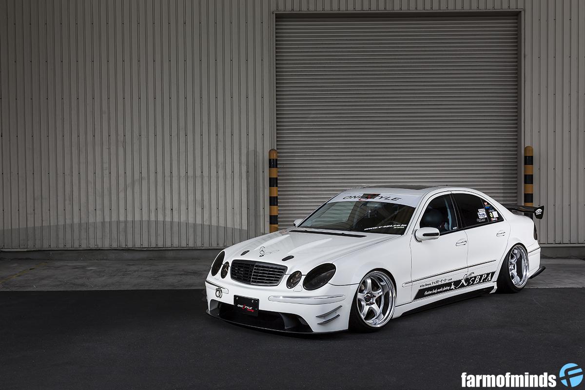 Mercedes-Benz-E-Class-W211-6