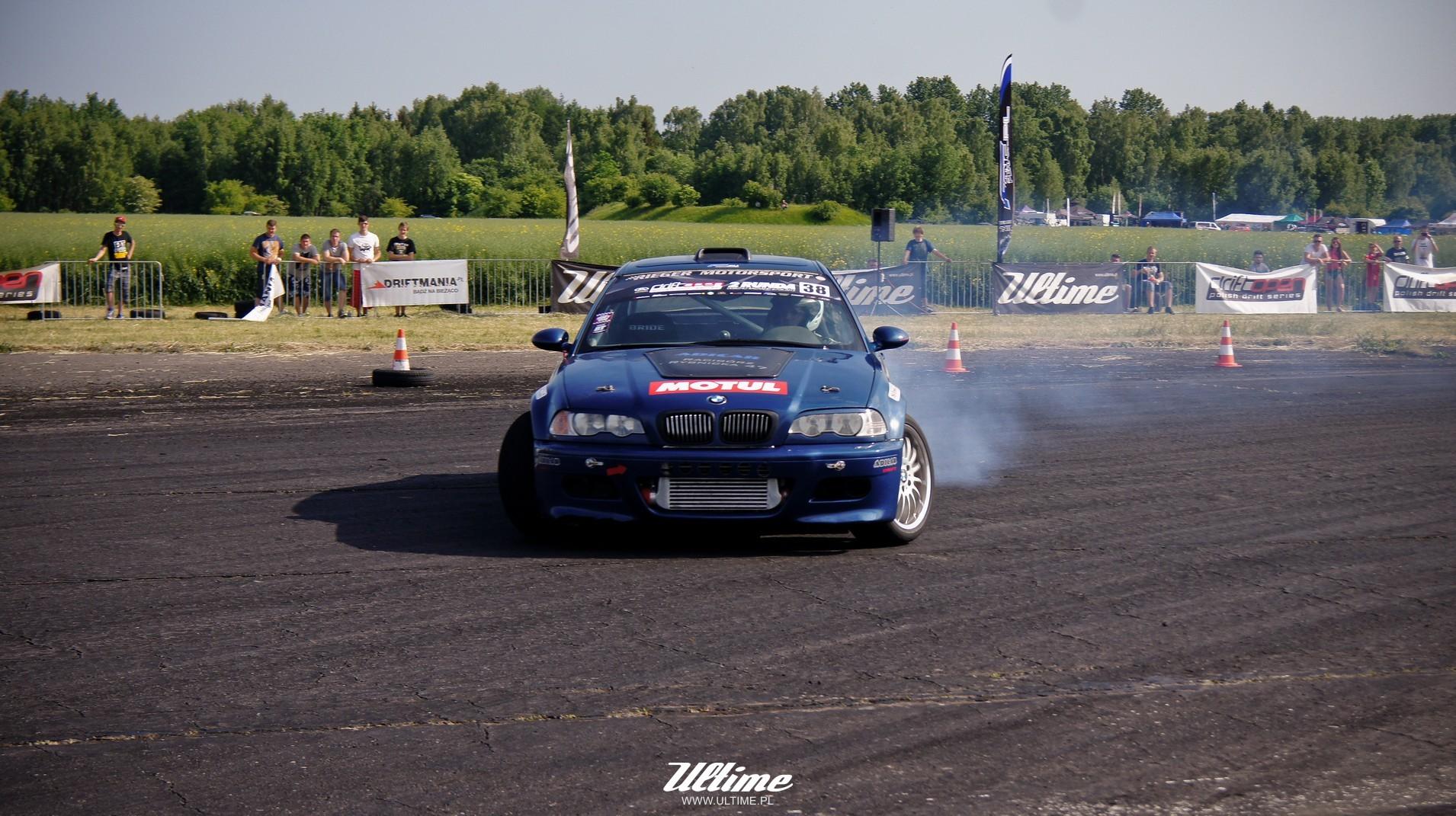 bmw e46 drifting